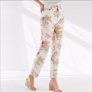 Urban Outfitters Highwaisted Jeans Floral 29
